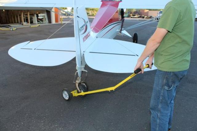 Tail PICKER-1 Tailwheel Manual Aircraft Tow Bar